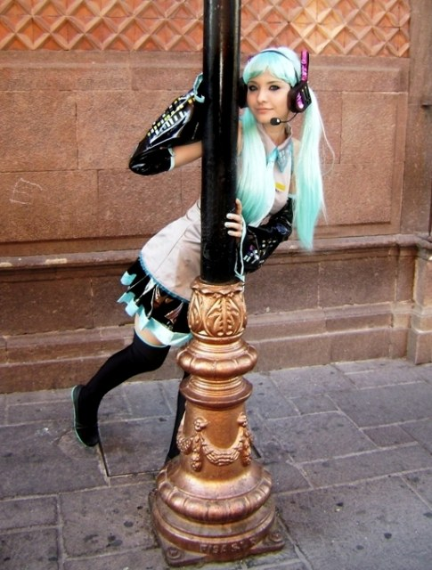 Les cosplay - Page 6 Miku_c13