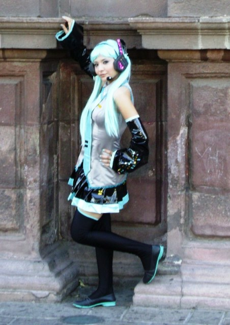 Les cosplay - Page 6 Miku_h12