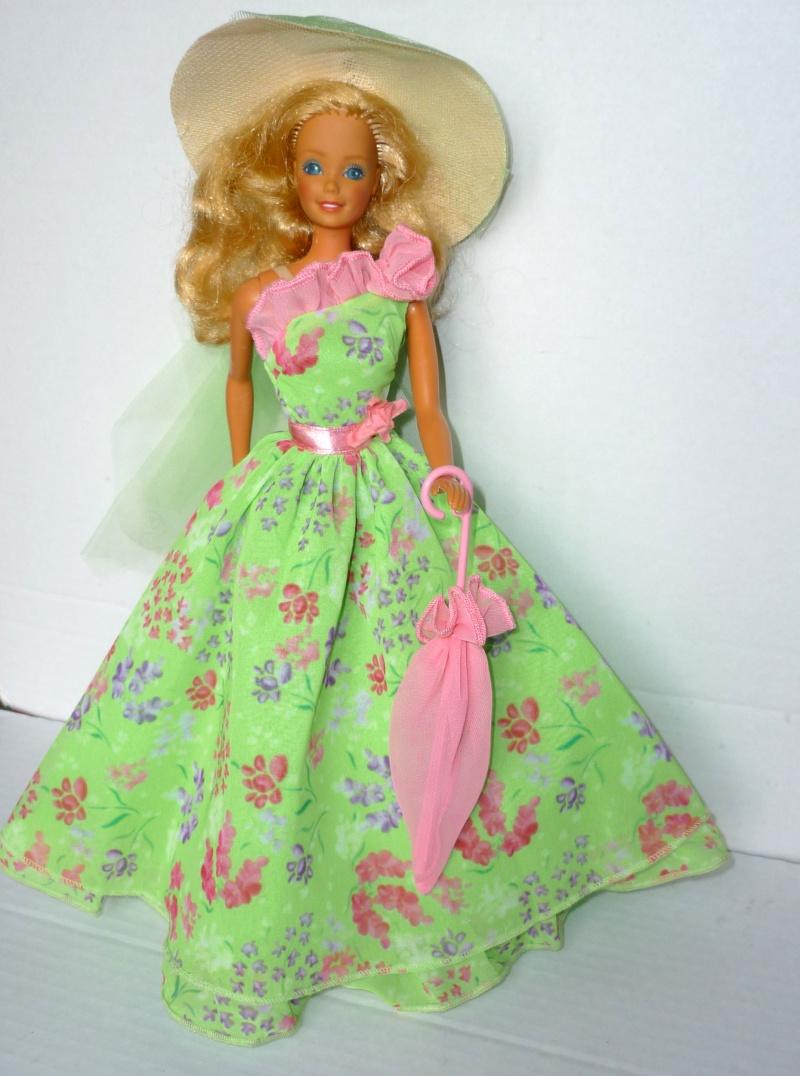 Qui peut me dire quelle Barbie porte cette tenue ? Barbie10