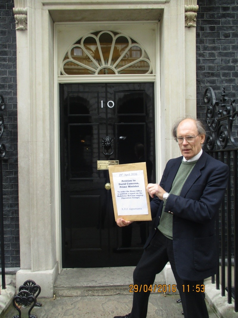29/4/16 - A petition critical of Operation Grange is presented at 10 Downing Street   Petiti10