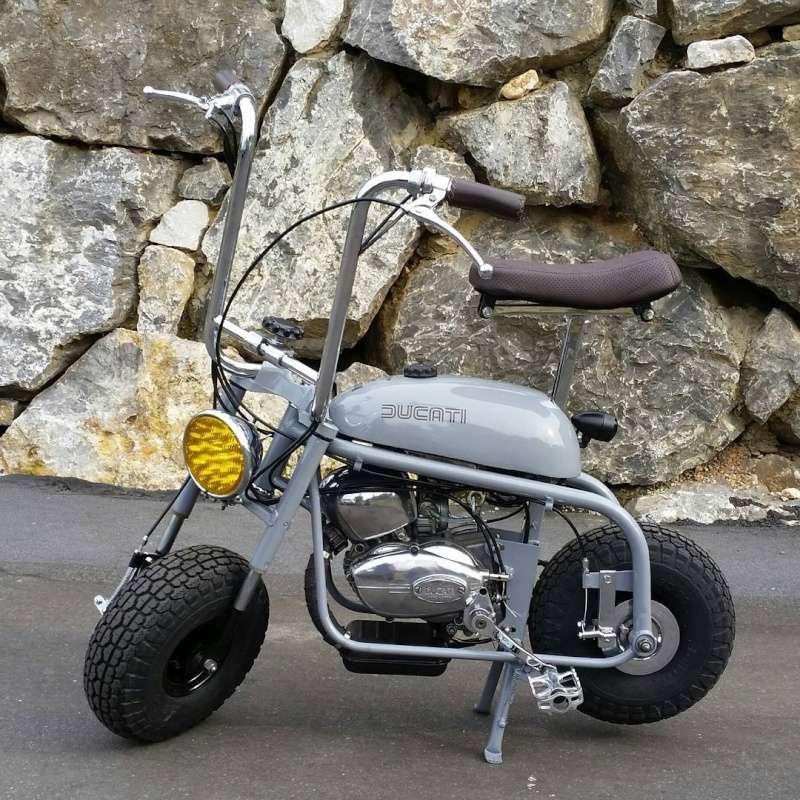 Ici on balance les Monos Ducati - Page 9 Russel10