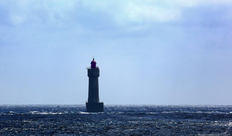 Le phare de la jument ( Ouessant ) La_jum10
