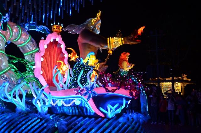 [Hong Kong Disneyland] Nouvelle parade nocturne : Disney Paint the Night (1er Octobre 2014)  - Page 4 Dsc_0513