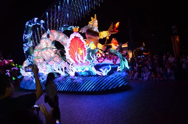 [Hong Kong Disneyland] Nouvelle parade nocturne : Disney Paint the Night (1er Octobre 2014)  - Page 4 Dsc_0516