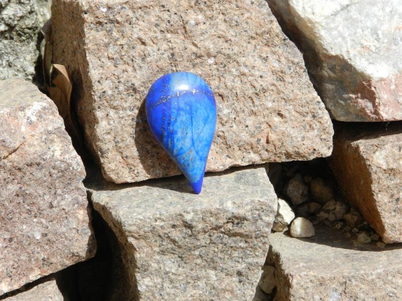 Une goutte d'eau en Lapis Lazuli Dscn9823