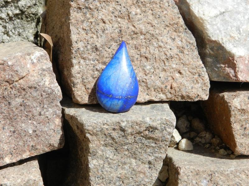 Une goutte d'eau en Lapis Lazuli Dscn9824