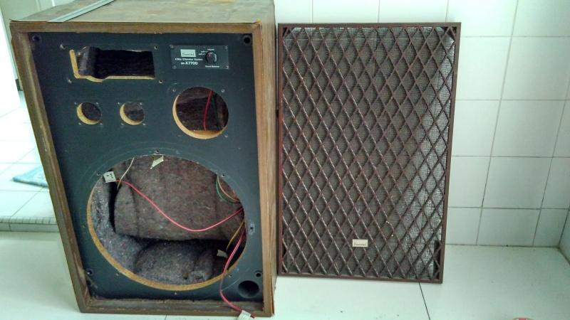 Rebuilding a pair of vintage Sansui speakers SP-X7700 Img_2050