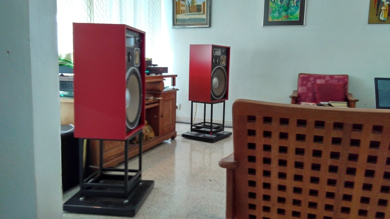 Rebuilding a pair of vintage Sansui speakers SP-X7700 Img_2057