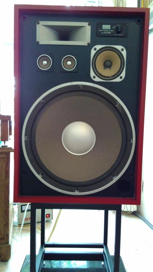 Rebuilding a pair of vintage Sansui speakers SP-X7700 Img_2061
