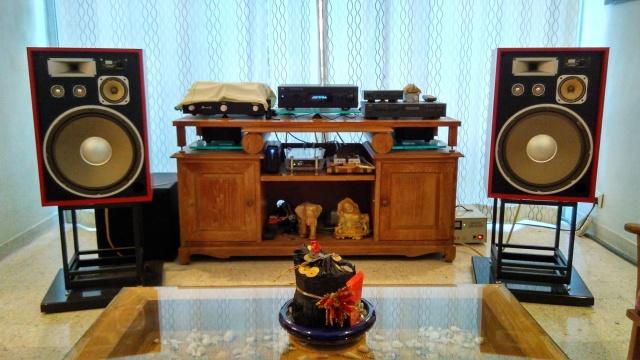Rebuilding a pair of vintage Sansui speakers SP-X7700 Img_2062