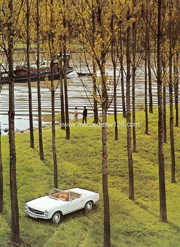 """Catalogue de 1966 sur la Mercedes W113 """"pagode"""" 230 SL 230_sl25"""