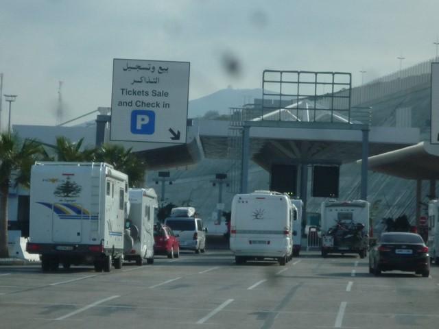 [Maroc/Le Bateau] Embarquement au port de Tanger Med P1130612