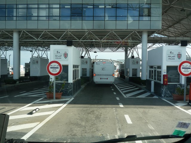[Maroc/Le Bateau] Embarquement au port de Tanger Med P1130614