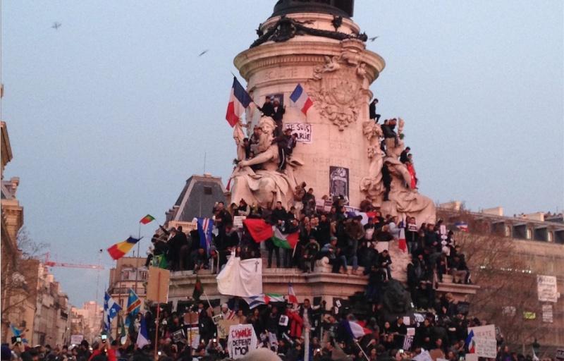 Une vie de statue (Paris, place de la République) 11_jan10