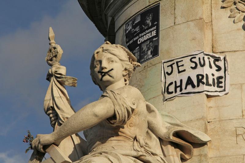 Une vie de statue (Paris, place de la République) 15766610