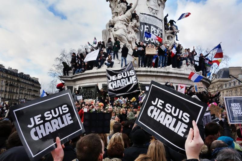 Une vie de statue (Paris, place de la République) 16229610