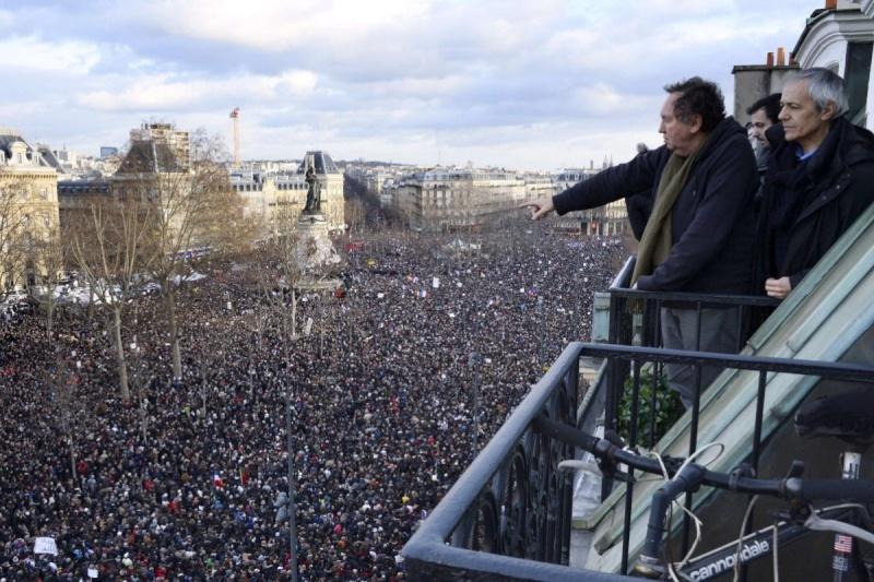 Une vie de statue (Paris, place de la République) Avant-10