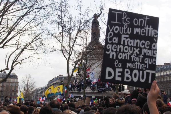Une vie de statue (Paris, place de la République) P1112011