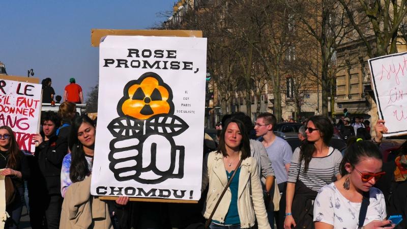 Poésie des slogans: rose promise, chomdu P1230010