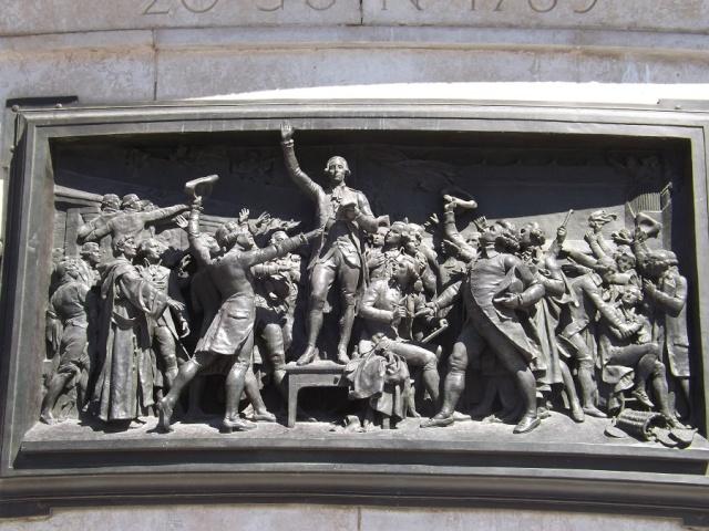 Une vie de statue (Paris, place de la République) Republ11