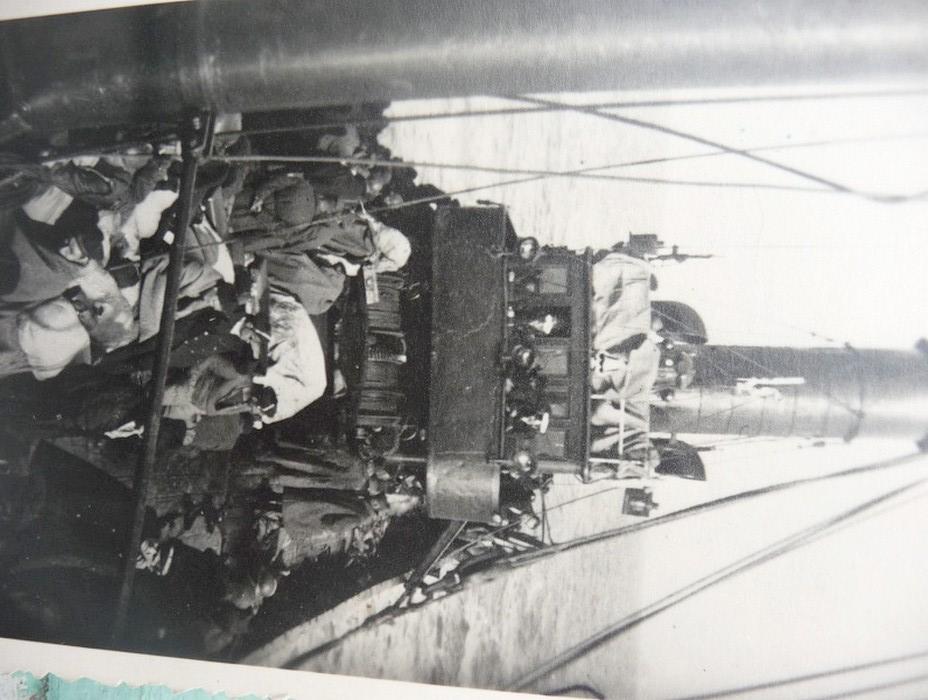 [Les ports militaires de métropole] Port de LORIENT - Page 3 P1040615