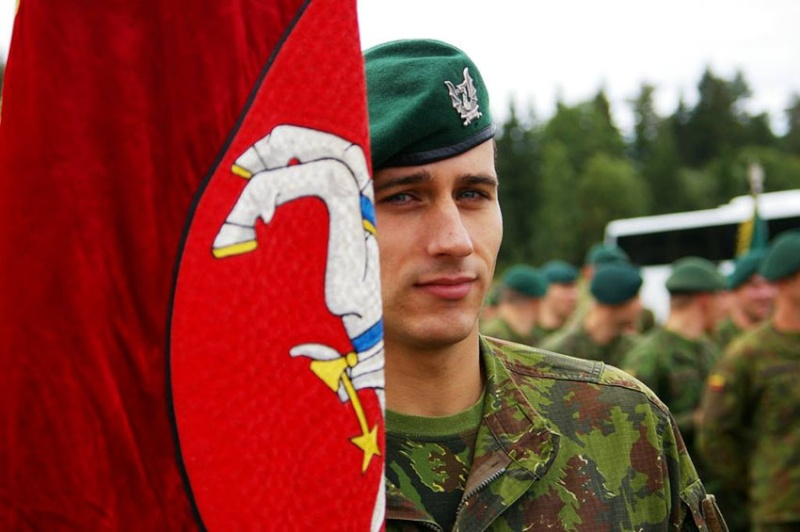 Lithuanian military and paramilitary berets Drg110