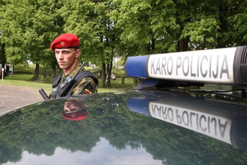 Lithuanian military and paramilitary berets Kp210