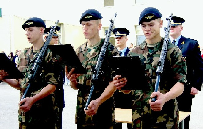 Lithuanian military and paramilitary berets Lkada110