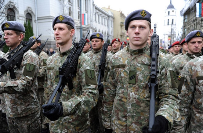 Lithuanian military and paramilitary berets Ypt10