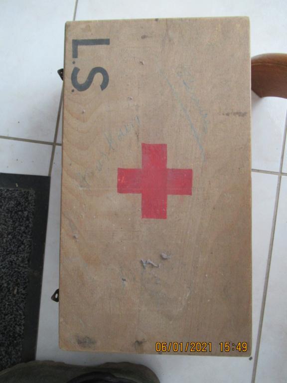 Caisse médic Img_4329