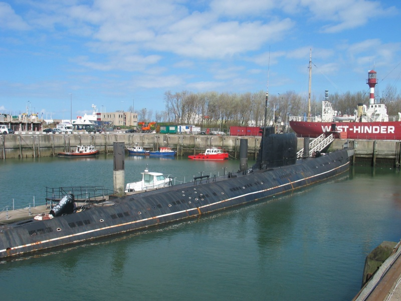 le U 480 amarré à Zeebrugge 101_0112