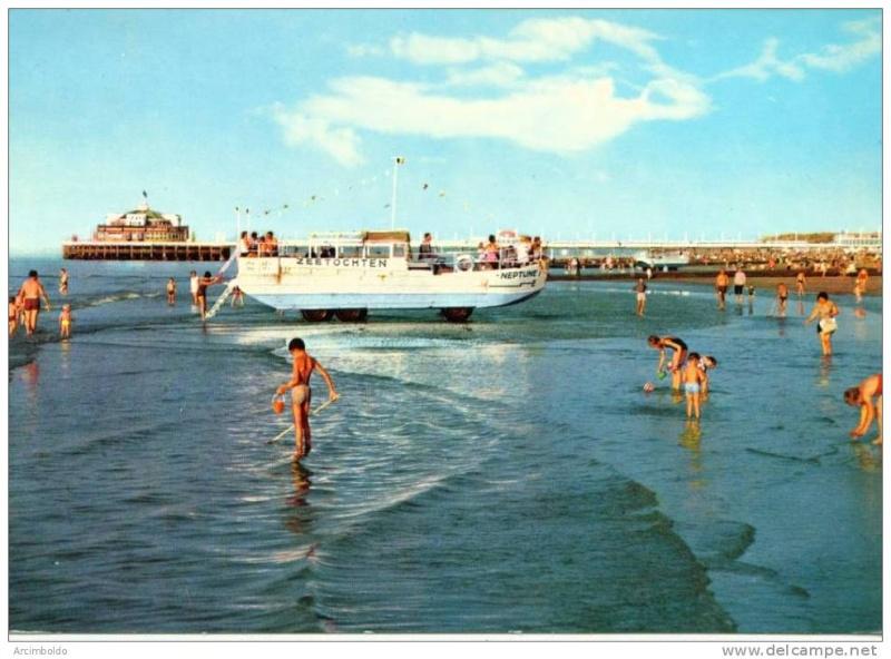 Les Bateaux Amphibies d'excursions en mer des plages belges - Page 2 741_0010