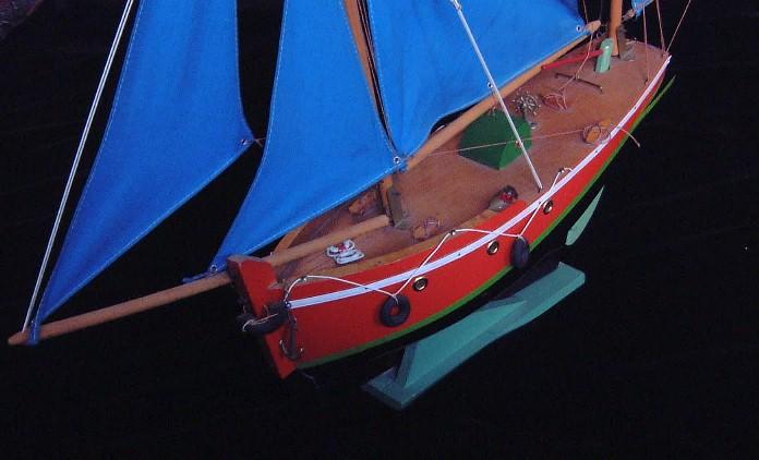 Collection de maquettes, vieux jouets et objets de marine Borda411