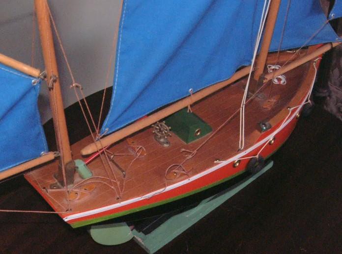 Collection de maquettes, vieux jouets et objets de marine Borda810