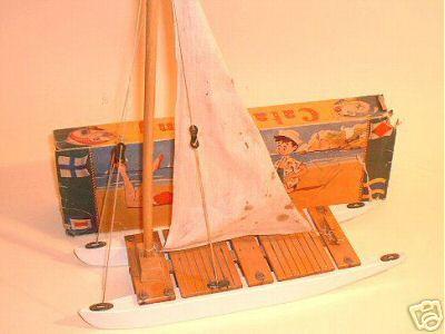 Collection de maquettes, vieux jouets et objets de marine Catama11