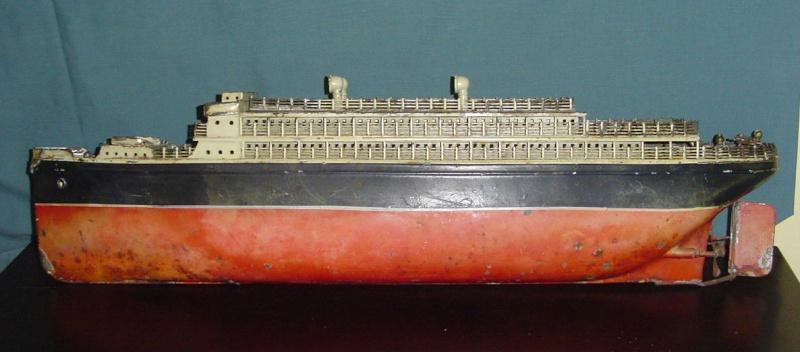 Collection de maquettes, vieux jouets et objets de marine Cnv00210