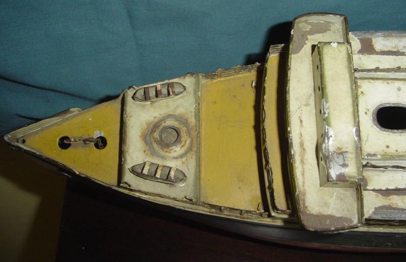 Collection de maquettes, vieux jouets et objets de marine Cnv00310