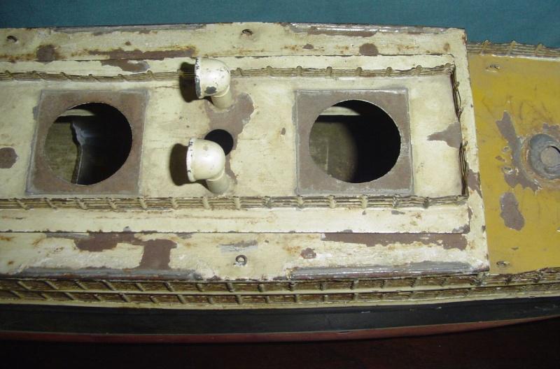 Collection de maquettes, vieux jouets et objets de marine Cnv00311
