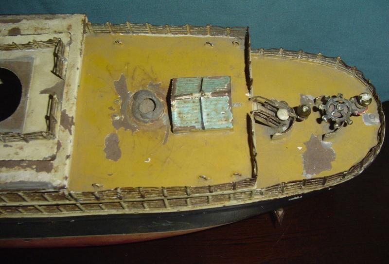 Collection de maquettes, vieux jouets et objets de marine Cnv00312