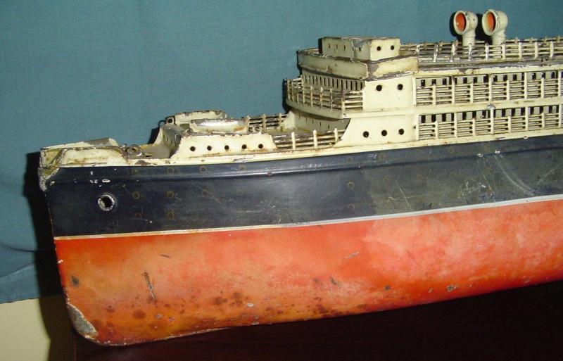 Collection de maquettes, vieux jouets et objets de marine Cnv00314