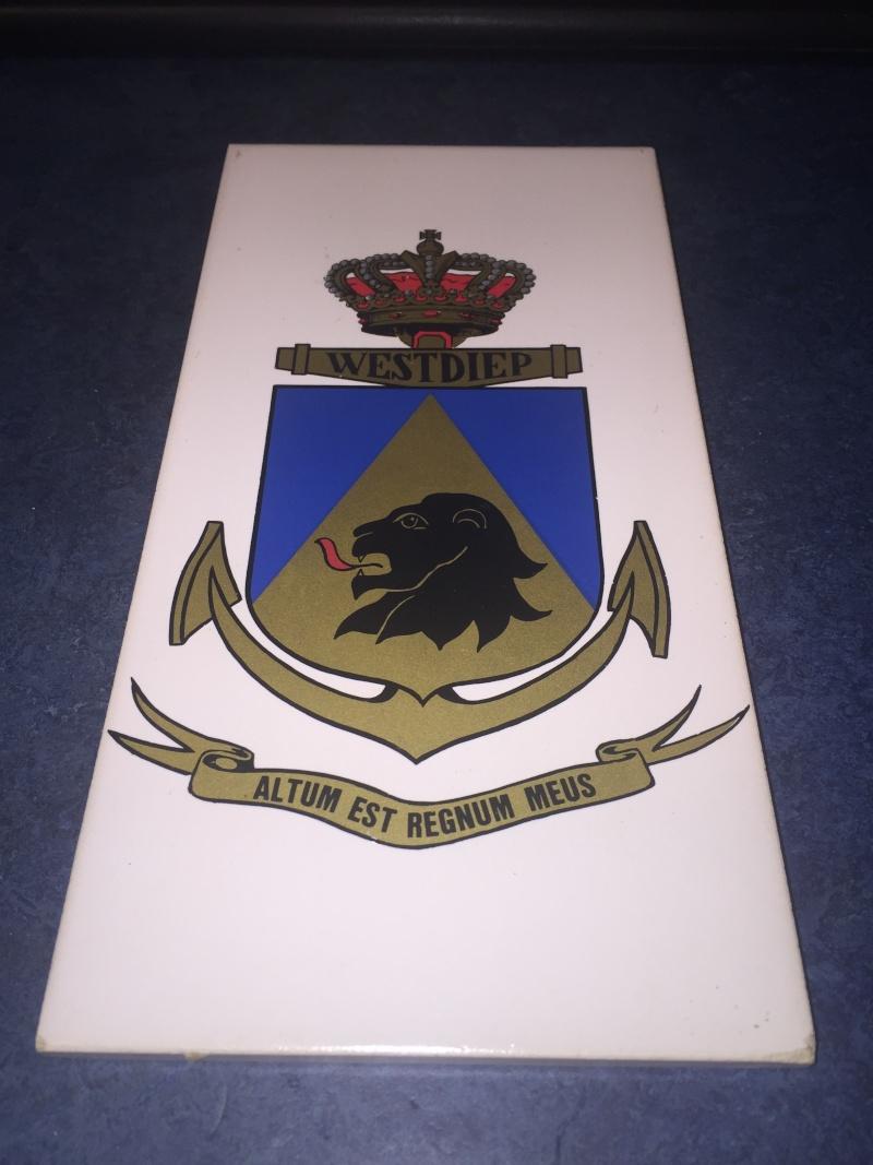F911 WESTDIEP : Crest, badges, autocollants, peintures,...   - Page 2 Crest10