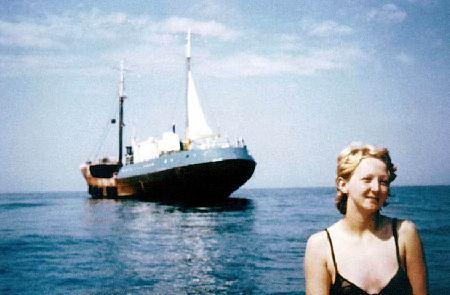 Les Bateaux des Radios Pirates - Page 2 Debbie10