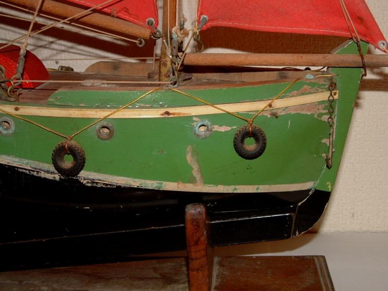 Collection de maquettes, vieux jouets et objets de marine Dscf3710