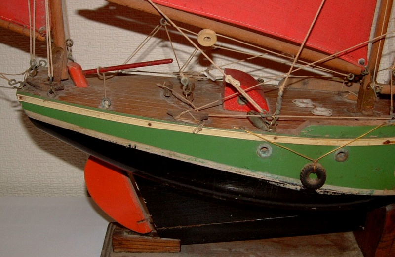 Collection de maquettes, vieux jouets et objets de marine Dscf3712