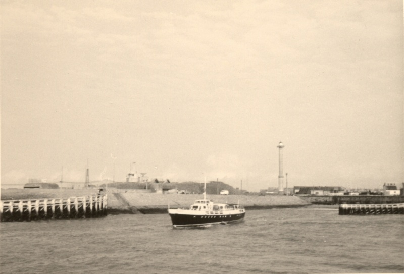 Les Bateaux d'excursions en mer des ports belges - Page 3 Franli11