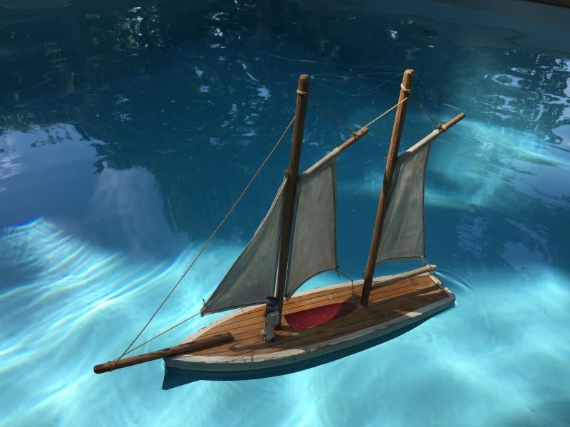Collection de maquettes, vieux jouets et objets de marine Img_7012