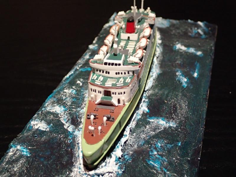 Collection de maquettes, vieux jouets et objets de marine P3100010