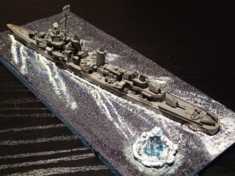 Collection de maquettes, vieux jouets et objets de marine P3100012