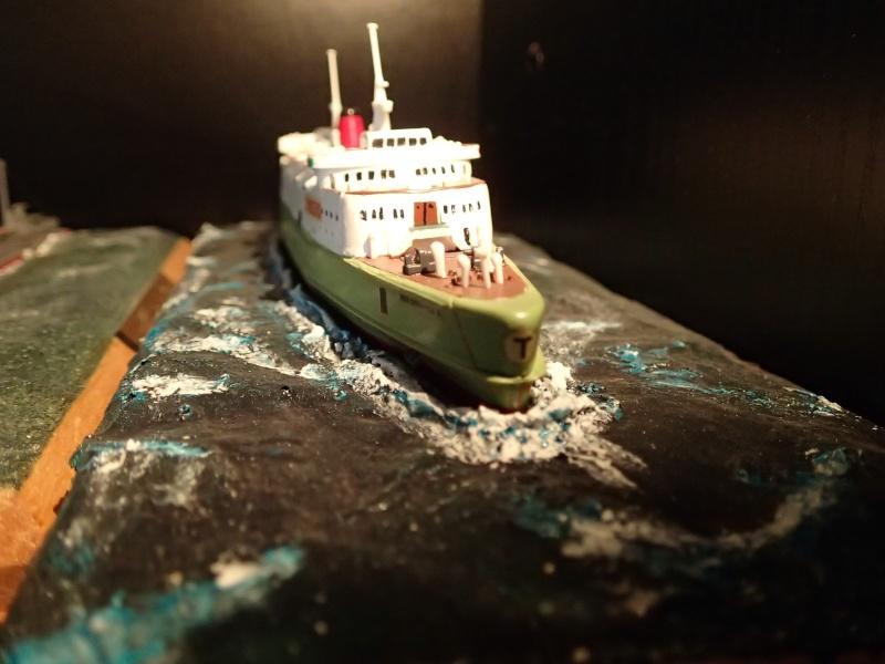 Collection de maquettes, vieux jouets et objets de marine P3110010
