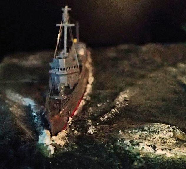 Collection de maquettes, vieux jouets et objets de marine P3110011